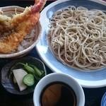 まるしめ - 料理写真:私の為に考案してくれたのね(笑)  カニ・エビ天丼セット。