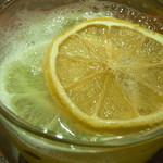 Bar Agit - 砂糖漬けのレモン?と・・・