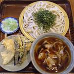 48646081 - 天ざる肉汁うどん(天ぷら付き)¥1290