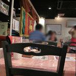 スリランカ料理 POLPOL - 今回はテーブル席へ。スタッフの方がカンジ良くて好印象でした。