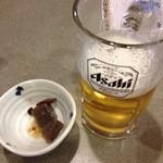 手打そば 三好屋 - 生ビール&お通し(すでに食べた)
