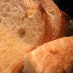 レストラン&ライブ ポコ - 自家製パン と フランスパン