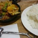 キャンプエクスプレス - 一日分の野菜カレー+ドリンクセット