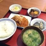 かっぽうぎ - 四品定食  777円