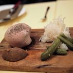 Aux delices de dodine - 鶏白レバーのムース