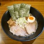 旬風 - 特製こく旨正油らー麺¥750