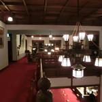 奈良ホテル - 本館2階からロビーを眺める。