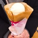 ハッピークレープ - 料理写真:アイスハニーシュガーバター(330円)