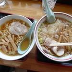 新月  - 酒田のラーメン(小)とワンタンメン