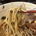 らいおん - 麺は中太のストレート