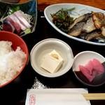 さかなやま - サワラ塩こうじ焼き(ゆずこしょう風味、鉢、漬物、汁付き) 900円