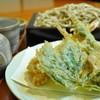 BIKYO - 料理写真:天然海老と春菜天せいろ