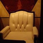 マジックバー 銀座十二時 銀座本店 - ともだち㎡はこの椅子が欲しいらしー