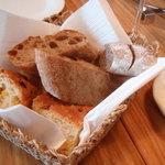 4870605 - パンは3種類ありました