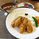 ボン・ヴォイージ - 月替わりカレー/牡蠣フライカレーでした✩︎⡱立派な牡蠣が5個も乗ってました◡̈︎