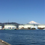 48701960 - 遠くに富士を眺めながら