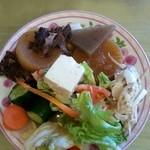 ラーメン来れば - メインを注文すると 「惣菜・サラダなど 食べ放題!」なんですよ♪
