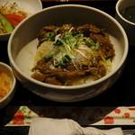 肉処 瑞祥 - 石垣島産黒毛和牛すき焼き丼