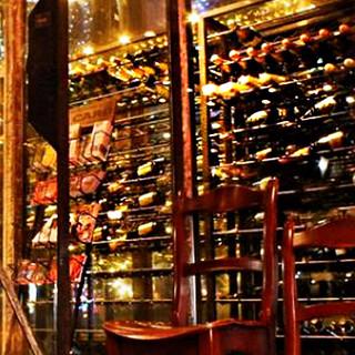 常時50種類以上の豊富な品揃えのワイン!