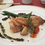 マゼランズ - 銘柄鶏のポワレ、タプナードソース