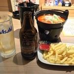 やきとりセンター - ピリ辛肉豆腐 ポテトフライ ホッピー