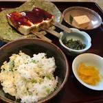 蕎麦割烹 黒帯 - 菜飯田楽300円税別