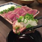 taishuubanikusakabafujiyama - 《馬肉のたたき》980円             2016/3/17