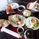 松月   - 四季御膳(税込)1944円 ※お昼限定のお得なメニューです!