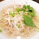Vietnamese-Japanese Dining Bar ぽんぽこ - フォーガー♪香草たっぷり☆〆にぴったり♪