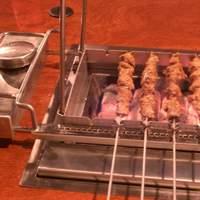 千里香 - これで肉を焼きます、くるくる回り焼きむらも出来ず、まんべんなく焼けます。便利です