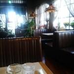 喫茶十字路 - 昔ながらの店内