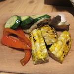 グリルSumitoko - 次は焼き野菜、炭火なんで焼いただけなのにバリウマです。