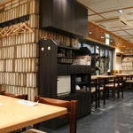 もつ焼き 栄司 - 店内