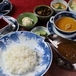 民家レストラン伊萬里亭 - 伊万里牛の旨味がギュッと詰まったカレー定食1300円