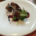 48729640 - 鴨肉のロースト ラズベリーソース
