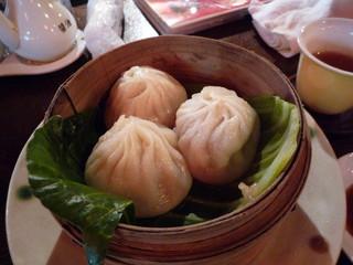 中国茶館 - スープ入り小籠包(580円)♪スープがじゅわっとしみ出します!