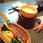 全席個室×情緒居酒屋 洒楽 - チーズフォンデュ(シナシナのバゲット付)