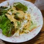 焼肉 初栄 - 野菜サラダ