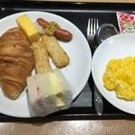 48741713 - こんな感じで朝ご飯!