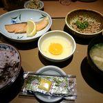 48741738 - 銀鮭朝食