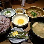 48741747 - 納豆朝食
