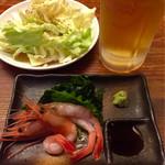 48742820 - 10円刺身と食べ放題キャベツと生ビール