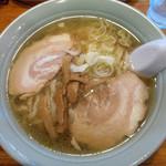 榮ラーメン - 醤油ラーメン 700円