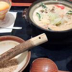 そうま - 鍋焼きごはんと胡麻みそ豆乳仕立ての美肌呉汁(うどんver.)