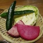 宮崎県日向市 塚田農場 - ◆ お通しは、宮崎地野の菜盛り合わせ音譜