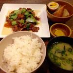 旬菜工房 茶里 - 牛肉と小松菜のオイスターソース炒め(夜ご飯セット)