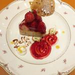 イタリア厨房 ベッラ・イタリア - 苺のタルトが本日のドルチェ