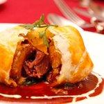 アンジュール - 料理写真:ビーフシチューとフォアグラのパイ包み焼き¥1,680