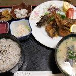 ひばり茶屋 - 鯉唐揚げ定食 1200円(税別)