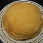 ドンク - 琥珀バターのメロンパン(205円)